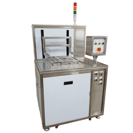 Automatic lifting ultrasonic cleaning machine